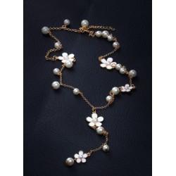 Ķēdīte ar pērlītēm un ziediņiem