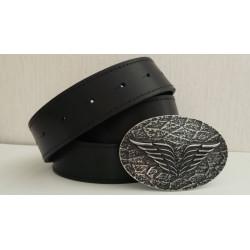 Мужской кожаный ремень с оригинальной пряжкой